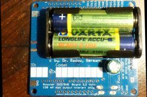 Batteriefach für 2 AA Zellen auf dem LongRa Board mit Arduino Zero und RFM95 Funkmodul